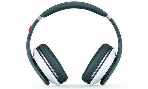 7 Best Over Ear Headphones Under $50