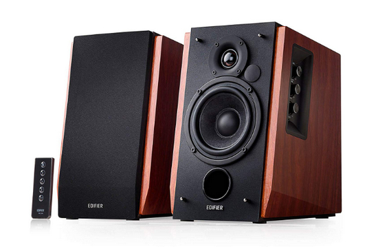 Best Bookshelf Speakers Under $ 200